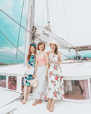 Leaving our land lover ways for an epic maritime adventure!  I wish every day is as carefree as this!  We had the most amazing time shooting JOOP's SS19 collection onboard Ximula Sail's summer-themed catamaran!  We were all drooling over these latest summer offerings during the shoot and collectively agreed that this is @joopboutique's best collection yet!  Psst! We also managed to sneak in a @RESCUsg consultation amidst all that ocean fun! Haha!  Now let's await the warmer season and its stellar styles! Summer ahoy!  #joopboutique #ilbensembles #rescusg #rescutotherescue