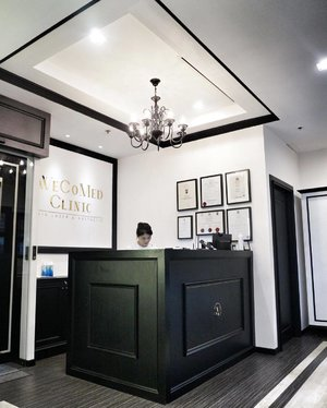 A clean, classy and refined looking clinic which will leave you with a clean, classy and refined looking complexion. 💆  Check out my IG stories for my little beauty adventure at @wecomedclinic!  #beautyreview #wecomedclinic #lasertreatment #sponsoredpost #clozette #interiordesign