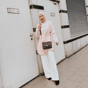 I love wearing outer, as simple as that. it makes my basic outfit looks more pretty💕 Who's with me?😍