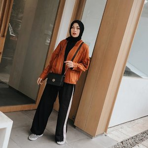 My comfy color🍑 wearing oyter by @chicgirl.id 🧡