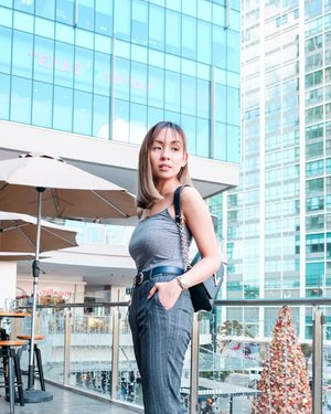 Sorry I didn't text back, I was editing my instagram photo. -preview 🤣🙋♀️ . (Tap for outfit details) . . . . . . . . . . . . #iannicolef #clozette @pilipinasootd #pilipinasootd #stylefeedph #ootdwatch #bloggerbandfam #bloglovinfashion #stylefeedph