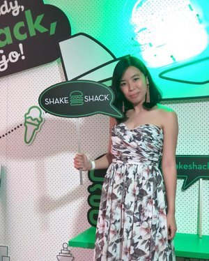 @ShakeShackSG has landed in Singapore. Their Signature Shroom Burger with Lemonade are the MUST try and remains my favorite! Thanks for the invitation, I totally enjoy the burgers and drinks.  From 17th April onwards, you can give it a try at Jewel Changi.  #amandaADVERTs #shakeshackSG #jewelthroughmyeyes