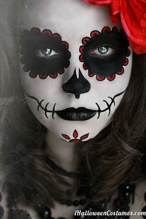 Simple but well-drawn sugar skull makeup.