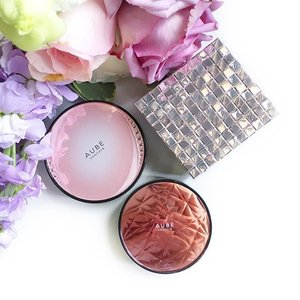 Blushes from #ShiseidoMaquillage and #AubeCouture The cases are so pretty! 🌸💕 #japanesebeauty #japanesemakeup #clozette #化粧品 #マキアージュ #オーブクチュール #チークカラー