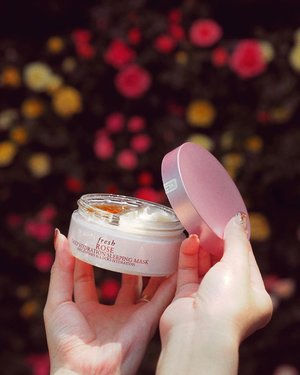 Sharing my ultimate indulgence, the @freshbeauty latest 🌹 Deep Hydration Sleeping Mask. Carefully handpicked for their fragrance and precious oils that aids your skin in hydrating, soothe and toning. Only 2 steps to achieve ultimate hydration recovery, overnight. After cleansing, apply the amber colored gel essence onto your face and let it absorb. Thereafter, apply the silky water-cream mask. Leave it on, use daily! #FreshBeauty #FreshLoveSG #FreshRose
