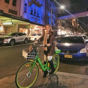 Have you heard of LIME-bike / Lime- E?  LIME is a transportation company based in the United States. It runs electric scooters, electric bikes like the one I'm on in this photo. We found this ride during my trip in Sydney with an affordable luxury travel partner — EON Travel and TOURS.  LIME also runs normal pedal bikes and car sharing systems in various places like Australia and a lot more cities around the globe. Their system is offering dock less vehicles which users find and may unlock via mobile apps which distinguishes the location of available vehicles via GPS. Isn't that amazing? 😍♥️✨ More Sydney stories coming up next on hugginghorizons.com  #HuggingHorizonsInSydney #WinterInSydney #EONTravelAndTours