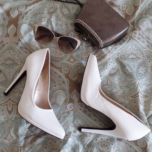 yeasss, my whites imitation snakeskin pumps came in today!! #charlotterusse @charlotterusse #pumps #heels #Clozette #shoes #simple #sexy #classy #girlll #werkit