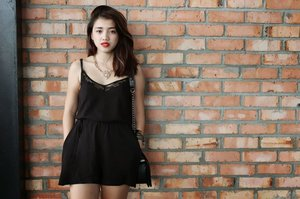 Casual playsuit with a hint of sultry.