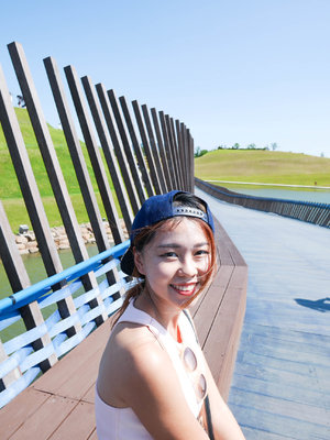 Another selfie here at suncheon bay ecological park! I always love taking photos under the most natural sunlight - they produce the best quality photos, including selfie! Hehe.
