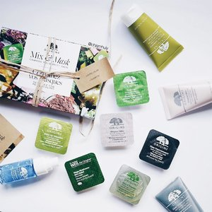 Fans of @origins.sg Mask will be excited to find their masks now in portable mask pods!🍃 I'm definitely bringing them to my upcoming trip because they're so small and easy to bring around. For now, you can choose 6 of them at only $20 with any $80 purchase of #originssg products! PS: While stock lasts! Available at Origins NEX, ION and Centrepoint.
