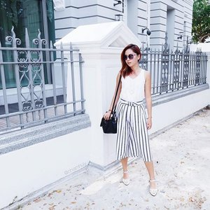 The culottes wave is real 😎Striped culottes got from @sheilafaves! So easy to match 😌😌😌 #clozette #sheilafaves #ootdcampaign #sgootd