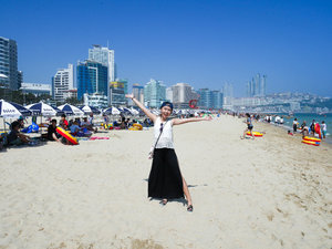 It's so hot here at haeundae beach but the view is amazing!!