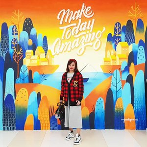 The #NorthTowersArtWalk artworks located @smnorthedsa are really awesome back drop for #OOTD shots 😍😎 #FashionPH #Fila #FilaDisruptor #Clozette #disneyxforever21