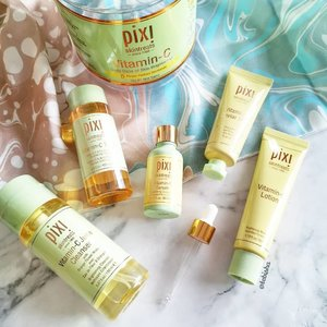 Let's fight against the Hazy weather with Pixi Vitamin C range! 🍊 Vitamin C has potent antioxidant power, promotes healthy collagen production and is known to boost skin luminosity. 🍋Everything from the range smells wonderful and refreshing! Lotion is lightweight and absorbs well into the skin. Great for all skin types! 💛 Thanks @pixibeauty for sending the personalised set over! . . . @pixibeautysg #pixibeautysg #pixibeauty #skincare #pixivitaminc #vitaminc #beauty #beautysg #sgbeauty #gifted #clozette #beautycommunity #igbeauty