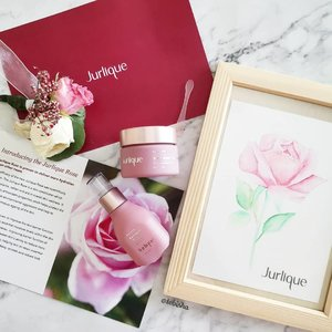 NEW! Jurlique Moisture Plus Rare Rose skin care range targets dry and dehydrated skin to restore radiance and fresh, dewy, supple skin. 🌹Rehydrates your complexion instantly – new, skin-smart delivery system, moisture levels are replenished over the next 24 hours. Looking forward to try out the 2 products here: 🌹Moisture Plus Rare Rose Serum 🌹Moisture Plus Rare Rose Gel Cream 💖 Now available at all #jurliqueSG flagship stores . . . #jurlique #moistureplusrarerose #beauty #skincare #beautysg #sgbeauty #moisturiser #serum #gifted #clozette @starlightcos_sg