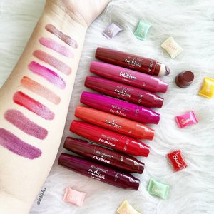 Kissable lips with Revlon Kiss™ Cushion Lip Tint 💋 Check out the swatches👄 . . . #revlon #revlonsg #cushionliptint  #lipstick #liptint #beauty #beautysg #makeup #skincare #beautyjunkie #igbeauty #instabeauty #flatlay #sp #ad #clozette #beautycommunity #igbeauty #igmakeup #igsg #sgig #igdaily #instadaily