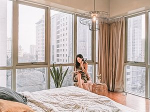 Make space for the life you want to have. ✨ . . . . . . . #asiapremiere #clozette #condolife #airbnb #airbnbexperience #booknow #bedsituation #loveelishadotnet #cebublogger #dgteblogger