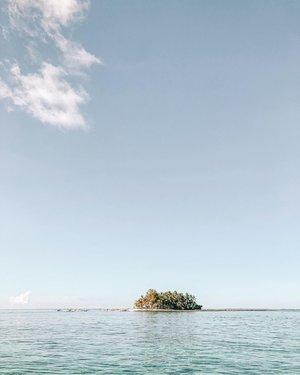 Saltwater cures all wounds. 🌴💦 . . . . . #loveelishatravels  #clozette  #loveelishadotnet #life #cebublogger #dgteblogger #bloggerph #siargao #guyam #travel #islandlife #summer #philippines