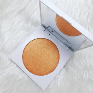 Colourpop Blush in So Retrograde 😍 ▫️ ▫️ ▫️ ▫️ ▫️ Kathleen Lights x ColourPop  Brighten your complexion with the perfect natural flush of colour in a soft and buildable powder blush. This burnt orange with gold pearl will make your planets align. 😉 ▫️ ▫️ ▫️ ▫️ ▫️ swatch credit to Temptalia ▫️ ▫️ ▫️ ▫️ ▫️ #makeupaddict #makeupporn #makeupjunkie #makeupmafia #makeupgeek #makeuplover #photooftheday #makeupmess #beautyjunkie #makeupvanity #makeupholic #makeup #makeupph #beauty #bbloggers #bbloggersph #clozette #colourpop #colourpopme #soretrograde