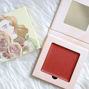 """Perfect your tipsy flush with this super-moisturizing, cocktail-inspired drunk blush. Made for lips and cheeks! This multi-stain glides on smoothly, with a soft, natural-matte finish and creamy, hydrating texture infused with Camellia """"Tsubaki"""" Seed Oil. Your Lip Drunk Blush is all you need to glow on the go. You'll notice your skin just gets better and better every day!  SHADE: AUTUMN MARTINI *Unfortunately, this is currently sold out online but might still be in stores!* This shade is one of my favorites. Easy to apply and blend. Needs a touch up after several hours but no biggie. This contains 8 GRAMS of products! This is a better value than most cream or clay blushes available locally. 😊  p.s. I bought this myself from their website -www.ellanacosmetics.com.  #makeupaddict #makeupporn #makeupjunkie #makeupmafia #makeupgeek #makeuplover #photooftheday #makeupmess #beautyjunkie #makeupvanity #makeupholic #makeup #makeupph #beauty #bbloggers #bbloggersph #clozette #ellana #ellanaminerals #ellanamineralcosmetics #ellanacosmetics #drunkblush #lipdrunkblush #blush"""