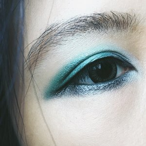 Eye make up of the day. Having blue hair means I get to experiment with bright insanely colorful eye make up and turn out looking plesantly normal (as normal as blue hair goes). #motd #chanel #chanelles4ombres #clozette #potd