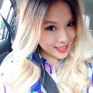 Morning! It's time to get working! #potd #lotd #ootd #gap #clozette #blonde #redlips #selfie #lookoftheday