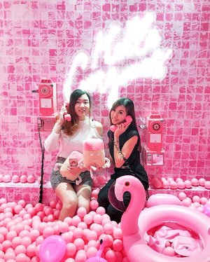 """Calling our mummies for help! """"Look ma, we need your credit card, @benefitcosmeticssg took all our money! We want the Happy Hello Soft Blur Foundation too!"""" 😆😆😆 . This Scoop O' Fun room is making us look all gorgeous & happy! We just wanna be here all day all night! . #SephoraPlayHouse #benefitcosmetics @sephorasg #BeneBabes #HelloHappy"""