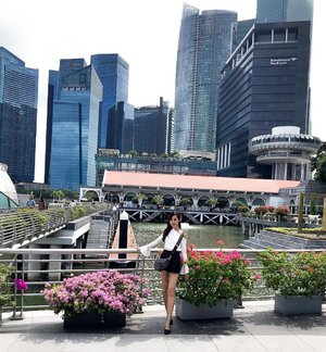 Singapore 🇸🇬 my homeland - a beautiful clean & green city! . A sovereign city-state & island country in Southeast Asia with aesthetic architectures to boast, i'm so lucky to be born here & i'm so proud of my country! . #Singapore #Singaporean #ILoveSingapore