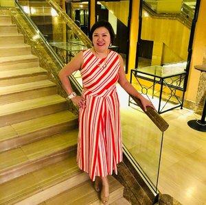 Getting into the🎄X'mas mood 🍭in @nanzsingapore candy cane jumpsuit . . .  Outfit:: @nanzsingapore Shoes:: @AlegraSingapore . . . #shenwendys #fashionista #fashionaddict #stylish #fashionstyle #yummymummy #likeaboss #fashionblog #instafashion #style #fblogger #fashion #outfit #beautiful #glambassador @glambassadorofficial #bloggerbabes @thebloggerbabes #workingmumsirl #clozetter #clozette @clozetteco #inspiration #beyourself  #nanz  #thehappygals #qotd #ootd #christmasmood #candycane #xmas #alegrasingapore #nanzsingapore