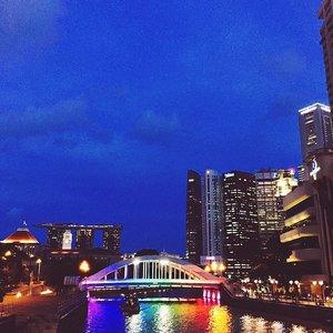 Rainbow🌈 bridge spotted ☺️ #throwback #rainbowbridge #Clozette #iphonesia #vscofeature #sg50 #singaporelandscape