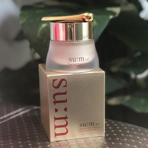 What is the first sign of Aging? Eye or Neck ?? .  First sign of Aging actually can be seen with the lines around our eyes 👁 👁 .  BUT .  SUM37 has a Secret 🤫 .  A Secret Eye Cream which restores our youth by diminishing wrinkles around our eyes .  It contains highly concentrated Cytosis and Ferm to rejuvenate our eyes making us look younger and more attractive with a pair of firmer looking eyes with resilience. .  And not forgetting that it has a 3 layer protective shield 🛡 against those micro fine dust in our air. .  It also can protect the skin around our eyes against harmful urban environmental elements. .  And most interestingly, the Secret Eye Cream has a cream to gel texture which makes it even gentle for sensitive delicate skin around our eyes. .  Its light enough even for the oily skin, so no worries about the milia seeds :) . .  I have shared with you my Secret to my Youthful Defined Eyes 👁 👁 .  #WHATSYOURSECRET .