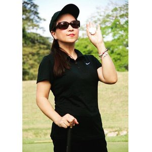 """One truth about golf: """"Any time you get to thinking how hard it is to meet new people, pick up the wrong golf ball""""⛳️ Wall Street Journal/ Jack Lemmon #ladiesgolf #nikegolf #golffashion #fashionblog #golfaddict #golfdigest #golfdigestmag #clozette"""