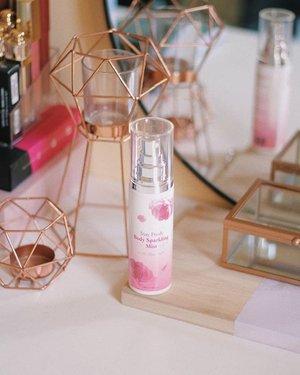 A perfect combination of floral, fruity and fresh! 👌  More on  www.majvalencia.com 🌺🌺🌺 #altheaangels #altheakorea #titixaltheakorea #makeupinmanila #kbeauty #clozette