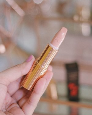 A very good example of a lipstick I bought but barely even use 😂  DontBeLikeMe 😂  I just wanted to see what the hype was about 😁😅😁 #charlottetilbury #kimkw #kimkardashian #kimkardashianwest #makeup #lipstick #makeupinmanila #clozette
