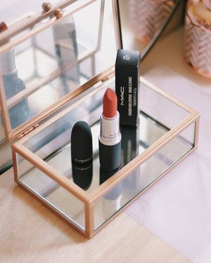 My go-to this week because this is the only bullet in my travel bag 😁  #mac #maccosmetics #maccosmeticsph #macpowderkiss #makeupinmanila #makeup #lipstick #clozette
