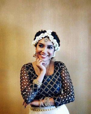 Sugar🍬, spice🌶 and everything nice 😉 . MUA & Hair by @makeupmantra . #indianethnicwear #indianoutfit #southasian #southindian #southindianstyle #indianculture #traditionalwear #motd #hotd #flowerpower🌸 #lookbook #clozette #starclozetter #truevintageootd #ootdsg #ootd #ootdgals #dametraveler #fashiondiary #discoverunder5k #discoverunder10k