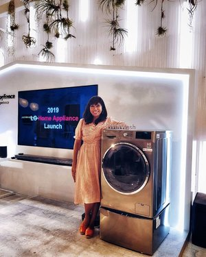 I've always been very particular about how my laundry is done so as a new home owner, my favourite appliance to look at in stores are washers. And I've already got my eye on this - @lgsingapore TWIN Load Washing Machine🧺 . Favourite Features▶️ 💧TWINWash - to separate delicates from other clothing in one load to save time. * Mini Washer sold separately. 💧TrueSteam Technology - 99.9% Allergens Reduced with Allergy Care, Steam Fresh and Steam Softener for cleaner healthier clothes. 💧 TurboWash Function - a combination of quick soaking water spray and filtration motion so washing time can be reduced to 49mins. 💧 6 Motion Direct Drive - moves the wash drum in 6 directions for optimal wash. 💧Invert Direct Drive - uses fewer moving parts for less vibration and noise reducing electricity consumption. 💧Add Item Button - Allows you to add in any clothing you may have forgotten. 💧 SmartThinQ - operate or monitor your laundry from anywhere with WiFi. . This is a dream! Can't wait to have one of our own sitting in our laundry room and cleaner clothes for our little family. . PS: Thank you @_boyz86 for the pic 🙌🏽 . #LGSingapore #LG #LGAppliances #laundryroom #laundryroomdecor #laundryroomgoals #laundryday #sgevents #brandcellar #comocuisine #clozette #starclozetter #discoverunder5k #discoverunder10k