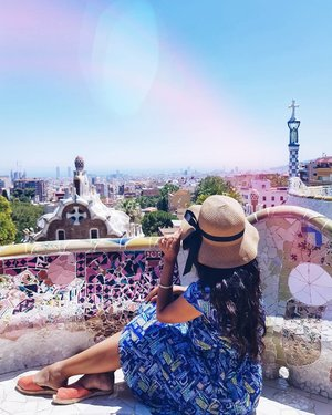 This photo was taken at Park Guell during our trip to Barcelona this year. If you scroll down my feed, you'll notice I took a photo here at the same spot in 2015 and posted it at the end of that year. . It's funny looking back at this because I never thought I will be able to visit Spain again and here I am 3 years later. And when I think further back, there was once a time in my life that I thought I will never be able to travel. Now, in 6 years, I have travelled to 12 countries, 19 states and more to come. It may not be many to some but its a feat for a girl who didn't know if she was even going to survive another day. . No matter how bleak the future may seem today, don't give up because you don't know how far you can go until you try. Fairy dust and kisses darlings and safe travels in 2019 ✈🌍💕 . #newyear2019 #bestof2018 #spain #barcelona #parkguell #gaudi #visitspain #lookbook #lookbooksg #clozette #starclozetter #truevintageootd #ootdsg #ootdgals #persuepretty #passionpassport #dametraveler #femmetravel #darlingescapes #thatsdarling #thedarlingmovement #fashiondiary