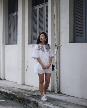 Looking to the side just so that the face can appear sharper x #axdelwenthreads #clozette #lookbooksg #ootdsg #lookbookasia #ootdmagazine #lotd #igers #vscocamsg #streetfashion #sgigstyle #fashionigers #vscocamsg #igsg #chictopia #stylesg #igersingapore #stylexstyle #vscosg #lookbooknu #fashiondiaries #weheartit #fblogger #styleblogger #streetstyle #sgstreetstyleawards #throwback #stylesearch 📷: 妈 ❤️
