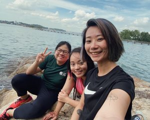 Ubin Adventure 🚴🏻‍♀️🚴🏻‍♀️🚴🏻‍♀️ . . #clozette #throwback #selfie