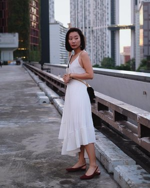 Up on the roof, before getting chased off x #axdelwenthreads #clozette #lookbooksg #ootdsg #lookbookasia #ootdmagazine #lotd #igers #vscocamsg #streetfashion #sgigstyle #fashionigers #vscocamsg #igsg #chictopia #stylesg #igersingapore #stylexstyle #vscosg #lookbooknu #fashiondiaries #weheartit #fblogger #styleblogger #streetstyle #sgstreetstyleawards #throwback #stylesearch 📷: @christyfrisbee 💕