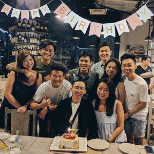 SHERMSDAY x #birthday #celebration #groupshot #igers #igersingapore #vscocamsg #vscosg #igsg #throwback #clozette #gathering
