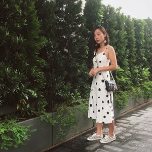 Full of dots last week to watch the first installment of DFF SG 2019 x #axdelwenthreads #clozette #lookbooksg #ootdsg #lookbookasia #ootdmagazine #lotd #igers #vscocamsg #streetfashion #sgigstyle #fashionigers #vscocamsg #igsg #chictopia #stylesg #igersingapore #stylexstyle #vscosg #lookbooknu #fashiondiaries #weheartit #fblogger #styleblogger #streetstyle #sgstreetstyleawards #throwback #dffsg2019 📷: @fishermansng 🖖🏻