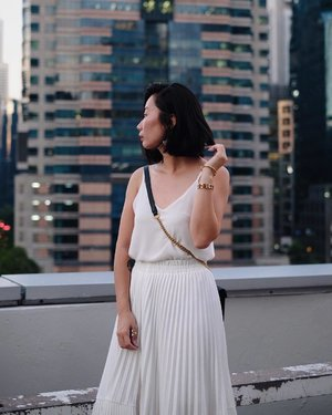 Up on the roof, rep ⚡️ x #axdelwenthreads #clozette #lookbooksg #ootdsg #lookbookasia #ootdmagazine #lotd #igers #vscocamsg #streetfashion #sgigstyle #fashionigers #vscocamsg #igsg #chictopia #stylesg #igersingapore #stylexstyle #vscosg #lookbooknu #fashiondiaries #weheartit #fblogger #styleblogger #streetstyle #sgstreetstyleawards #throwback #stylesearch 📷: @christyfrisbee 💕