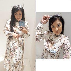 Tiru gaya #InstaFamous jap.. baju kena cantik cantik.. makeup kena on point.. letak filter sikit.. 😹 ala sekali sekala apa salahnya.. kah kah kah.. #syafierayamincom #beautyblogger #BloggerMalaysia #lifestyleblogger #clozette #Blogger #makeuptutorial #clozette