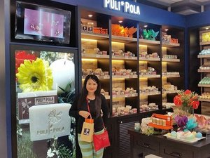 I just had a great day treatment in my bathroom last night with @pulipola.soap 100%handmade soap which is natural beauty spa including  with variants aromatherapy  scents. 100% natural plant oil 100%natural  ingredients  and 100% skin safe.#soap#pulipolasoap#detox#syafierayamincom#blogger #mommyblogger #BloggerMalaysia #Clozette #clozetteambassador #BeautyBlogger #Malaysianblogger #makeuplover
