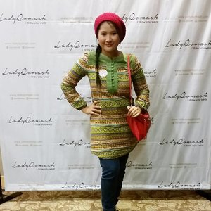 Me at @ladyqomash launch.. jangan terpedaya kekurusan  ni Double layer kocet. . Can't wait to see the lady Qomash collection seriously.  Jom follow lady Qomash guys for more shawl collection.  #LQlove #syafierayamincom  #blogger  #mommyblogger  #BloggerMalaysia  #Clozette  #clozetteambassador #BeautyBlogger  #muslimahfashion