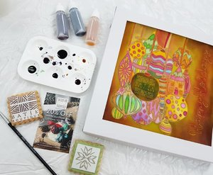 The finish color painted on the canvas with festive Christmas ornaments  design using the wax to prevent the colors from spreading and stayed on the place.  Batik Boutique 2018 Holiday Collection focuses on merging traditions with modernity.  Feature a variety of items as place mats, coasters, napkins and cushion covers which make perfect decorative items for the home this festive seasons or gifts. @thebatikboutique #BatikBoutique #shopwithpurpose #SriHartamas #syafierayamincom #batik #HolidayCollection2018 #clozette