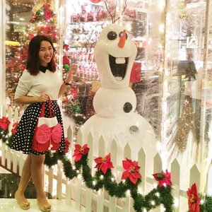 ✨❄⛄️Goodnight from Olaf & I⛄️❄️✨ #enabalista #clozette #ootd #olaf