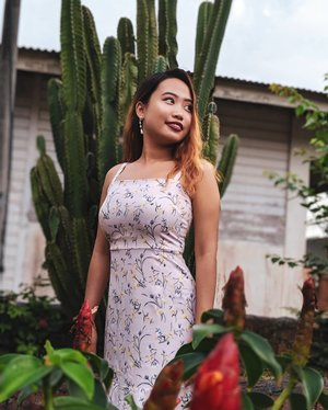 🌵 Flowers and thorns #tswootd #kukup #travel #ootd #ootdsg #fashiondiaries #travelgram #vacationstyle #clozette